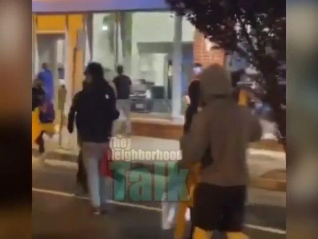 Oakland Looters Loot A Car Dealership, Steal Cars Off Showroom Floor