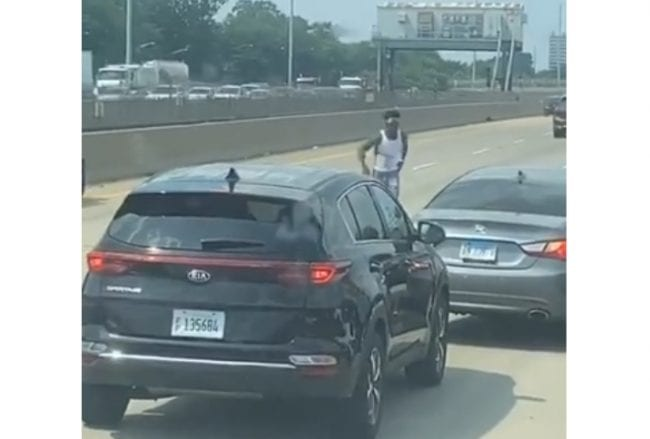 Chicago Gangs Shoot It Out On Busy Expressway During Rush Hour